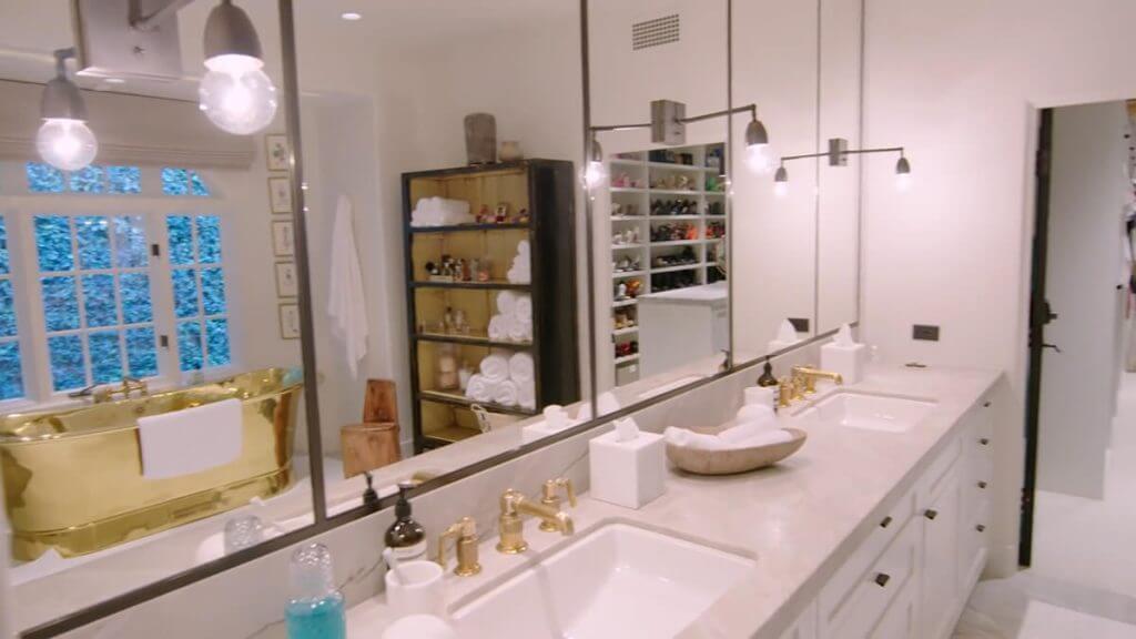 Kendall Jenner Home - Bathroom